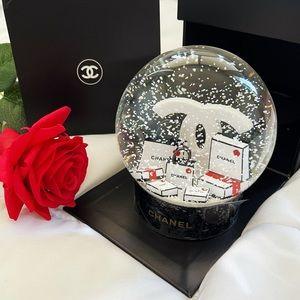 ❄️ Auth - Chanel Snow Globe (Shopping bags) vip